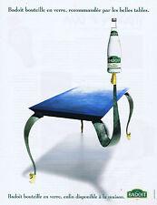 PUBLICITE ADVERTISING 084 1995 BADOIT bouteille en verre pour les belles tables