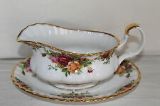 ROYAL ALBERT OLD COUNTRY ROSE GRAVY BOAT AND STAND