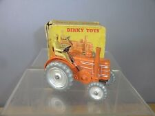 DINKY TOYS MODEL No.301 FIELD MARSHALL TRACTOR vn mib