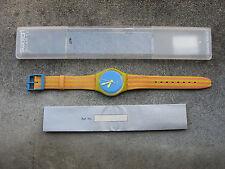 Ancienne montre à quartz Swatch Design 1992 neuve de stock avec son boitier.