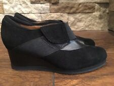 Earthies Bondy Black Suede Wedge Shoes Womens Size 6.5