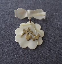 ANTIQUE 1920'S ANCHOR HEART & CROSS IN METAL CREAMY CELLULOID PIN UNUSED