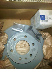Genuine MERCEDES WDB906  Sprinter Front Brake Discs & B Pad Kit  2006 BNIB