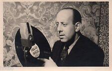 BK055 Carte Photo vintage card RPPC Homme Feliz Natal 1950 Disque chanteur ?