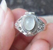 925 Solid Silver Balinese Style Poison Locket RIng Moonstone Size 6-66H