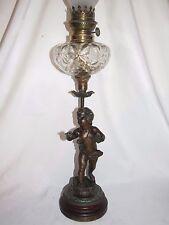 11C25 ANCIENNE LAMPE A PÉTROLE STATUE RÉGULE CHÉRUBIN SIGNE DUMAIGE (1830-1888)