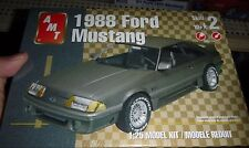 AMT 1/25 1988 FORD MUSTANG FASTBACK GT MODEL CAR MOUNTAIN KIT FS