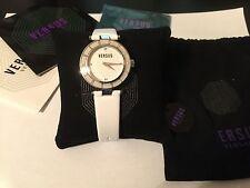 Versus por Versace Women Watch logo Esfera Blanca Con Cristales De Cuero