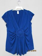 Women's size L Blue Soft Top V-Neck Cleavage Crochet Circle Center Loose Fit