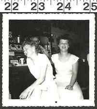 VINTAGE OLD B & W PHOTO/2 CUTE GIRLS HAVING FUN AT THE LOCAL SHOP/PARLOR (1529)