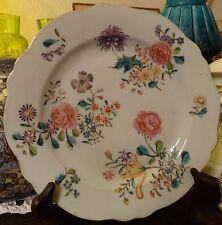 Assiette porcelaine CHINE famille rose aux fleurs 18éme bord chantourné