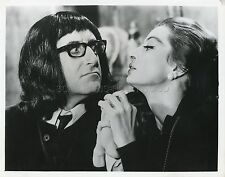 PETER SELLERS CAPUCINE WHAT'S NEW PUSSYCAT  1965 VINTAGE PHOTO ORIGINAL #1
