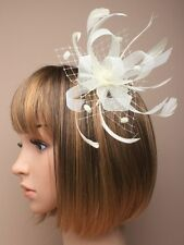 NEW Cream feather, mesh and loop ribbon comb fascinator wedding prom races ascot