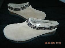 PREDICTIONS Tan Suede Leather Clogs Shoes Sz 11 WOMEN..EUC WORE ONCE