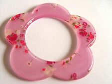 Beautiful Vintage Pink flower lucite Bangle @