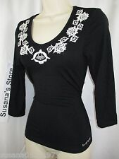 NWT BEBE LOGO EMBROIDERED TOP SIZE S Enchanting top detailed!!