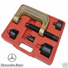 Mercedes front lower ball joint tool 2002-09 e classe W211 220 230 in situ
