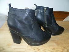 TOPSHOP UK7 SIZE 40 LADIES BLACK LEATHER ANKLE BOOTS LEATHER LINED GOOD CON