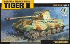 ACA13304 - Academy 1:35 - Tiger II Motorized