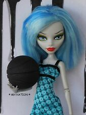 Monster High DIORAMA Deuce's FEARLEADING Basketball Accessory