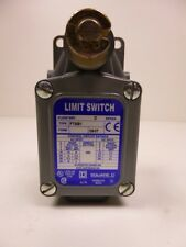 LIMIT SWITCH FTSB1 SQUARE D Neu