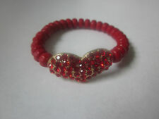 RED FACETED LUCITE BEAD RED CRYSTAL STUD ON GOLD TONE HEART STRETCH BRACELET