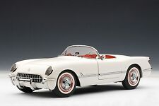 AutoArt Chevrolet Corvette 1953 (Polo White) 71081