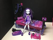 Monster High Doll Spectra Vondergeist Dead Tired & Bed Complete Great Condition