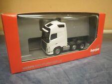 Herpa camión volvo fh4 flaquea/aerop. XL szm 6x2 blanco