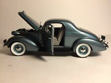 Danbury Mint 1937 Studebaker Dictator Coupe Limited Edition 1:24 Diecast