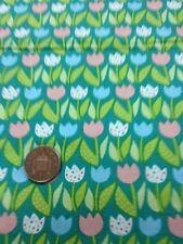 100% COTONE Quilting Craft Tessuto Rosa Blu Bianco a Fiori Tulipani Benartex