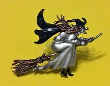 HALLOWEEN WITCH ON BROOM BROOCH SCARY! JONETTE ORIGINAL
