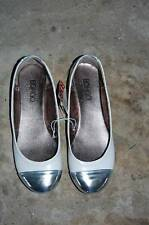 NWT BONGO  Women's 6 Shoes White w/ Metallic Silver Toe Ballet Flats Juniors NEW