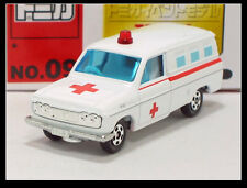 TOMICA EVENT MODEL 09 TOYOTA HILUX Ambulance 1/64 TOMY DIECAST CAR 64