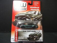 Auto World Ford Mustang GT 2015 Green 1/64 64032A