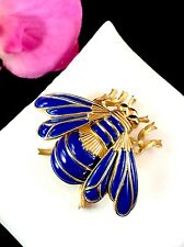 STRIKING CROWN TRIFARI GOLD-TONE FINISH NAVY BLUE ENAMEL FIGURAL FLY BROOCH PIN