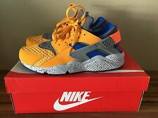 Men's Nike Air Huarache Run SE Size 11 Gold Leaf Hyper Cobalt Blue Running Shoe