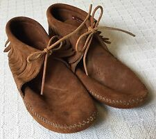 Minnetonka Fringe Suede Womens sz 7.5 Boho Boots Tie Moccasins Soft Sole Shoes