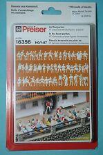 Preiser 16356 En El Jardín De La Cerveza 47 Figuras sin Pintar y accesorio nuevo