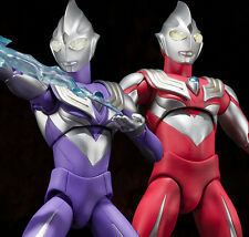 ULTRA-ACT Ultraman Tiga Sky Type & Power Type Action Figure Bandai