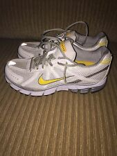 Nike Womens Walking Running Shoes Sneakers Live Strong Size 8 1/2 8.5 EUC