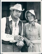 1980 Actor Lee Majors Katherine Cannon High Noon Part II TV Movie Press Photo