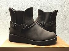 UGG GLEN WATER RESISTANT CHOCOLATE BIKERS ANKLE BOOT US 7 / EU 38 / UK 5.5 - NEW