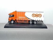 OXFORD DIECAST - REF.NO.76S94001 SCANIA 94 6W CUTAINSIDE TNT
