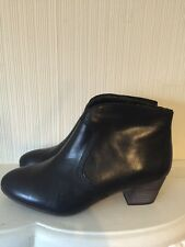 CLARKS LADIES Melanie Jane Black Leather Ankle Boots Uk Size 7E Wide Fit