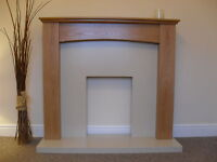 GAS ELECTRIC OAK WOOD SURROUND CREAM MARBLE STONE WALL HUNG FIRE FIREPLACE SUITE