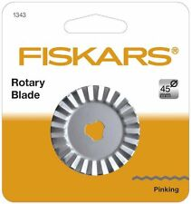 FISKARS F1343 REPLACEMENT ROTARY CUTTER PINKING BLADE 45 mm -NEW-