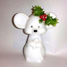 VINTAGE! AVON CHRISTMAS MOUSE MILK GLASS PERFUME BOTTLE/FIGURINE WITH PERFUME