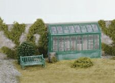 Wills SS24 Wooden Conservatory or Greenhouse with Seat 00 Gauge Plastic Kit 1st