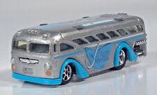 """Hot Wheels Jetsons Surfin' School Bus 3.25"""" Die Cast Scale Model Blue Silver"""